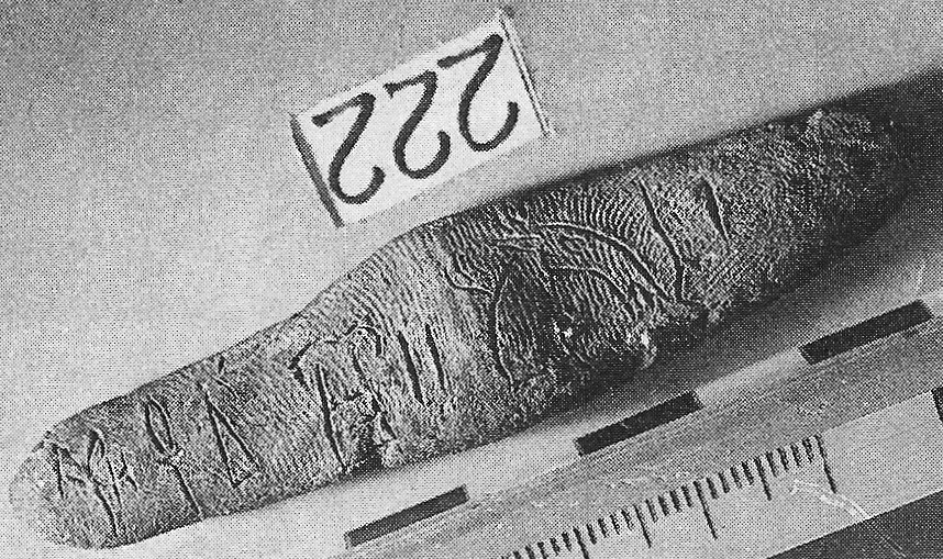 CSI Knossos: palmprints on the Linear B tablets